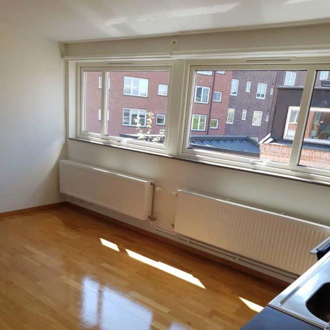 Bild på fönster efter fönsterputs utförd av Malmö Städ